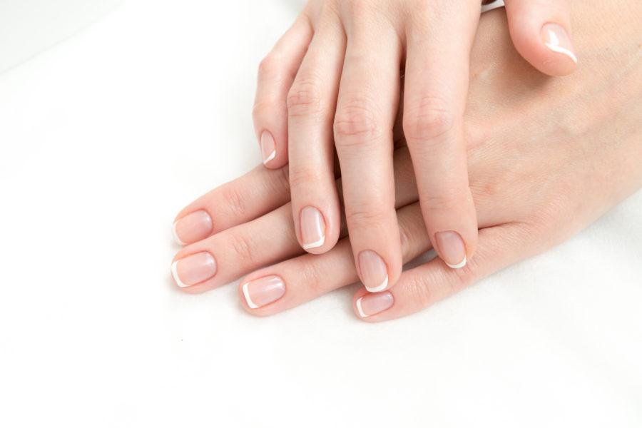 Manicure biologiczny – na czym polega i dla kogo jest przeznaczony?