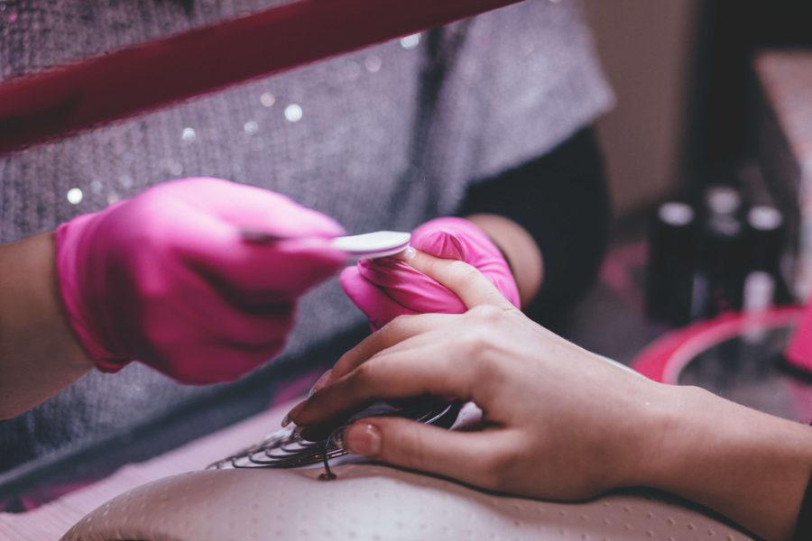 Najważniejsze informacje o manicure i pedicure japońskim